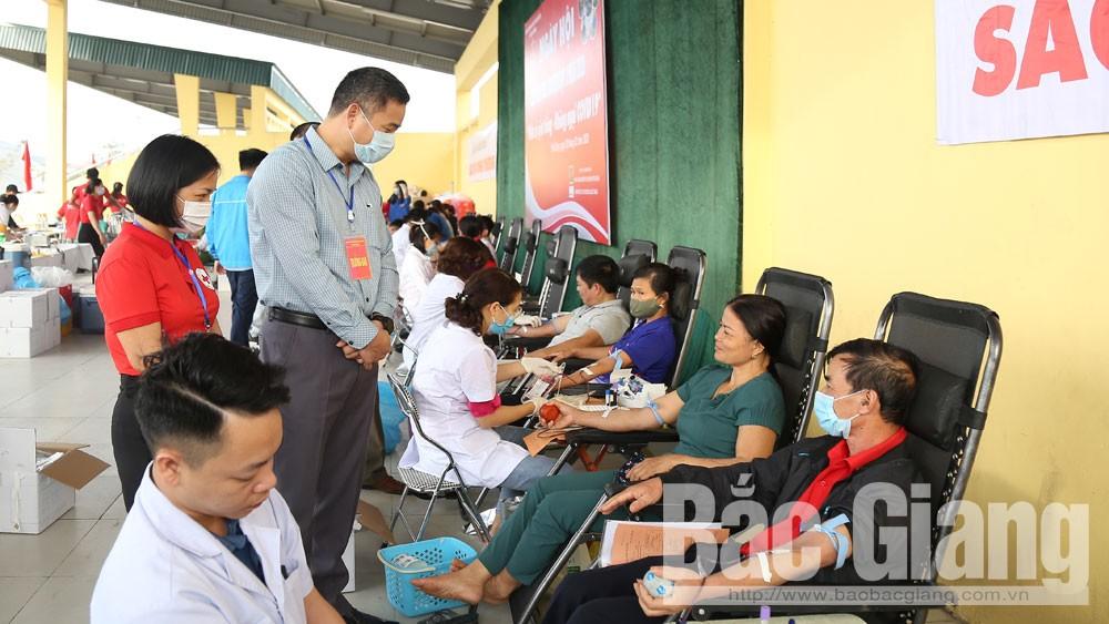 Yên Dũng: Tiếp nhận 705 đơn vị máu