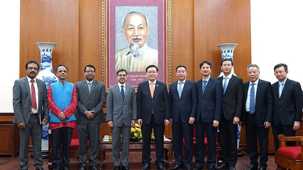 India, alternative supplier, textile materials, Hanoi, new source of materials, COVID-19 outbreak, shortage of supplies