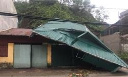 Mưa đá và dông lốc gây thiệt hại lớn tại Yên Bái và Tuyên Quang