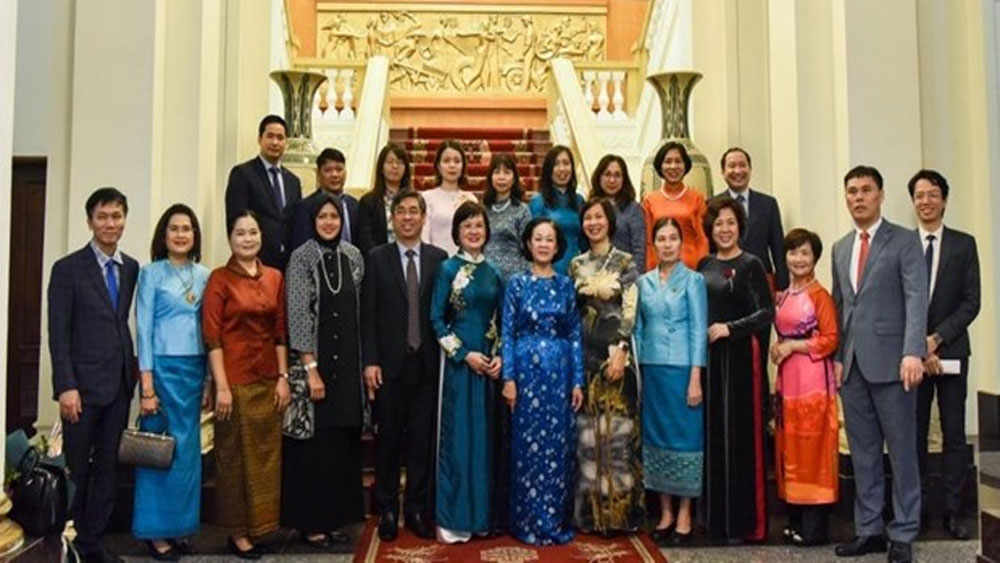 Mass mobilisation official, ASEAN women delegation, International Women's Day, people-to-people exchanges