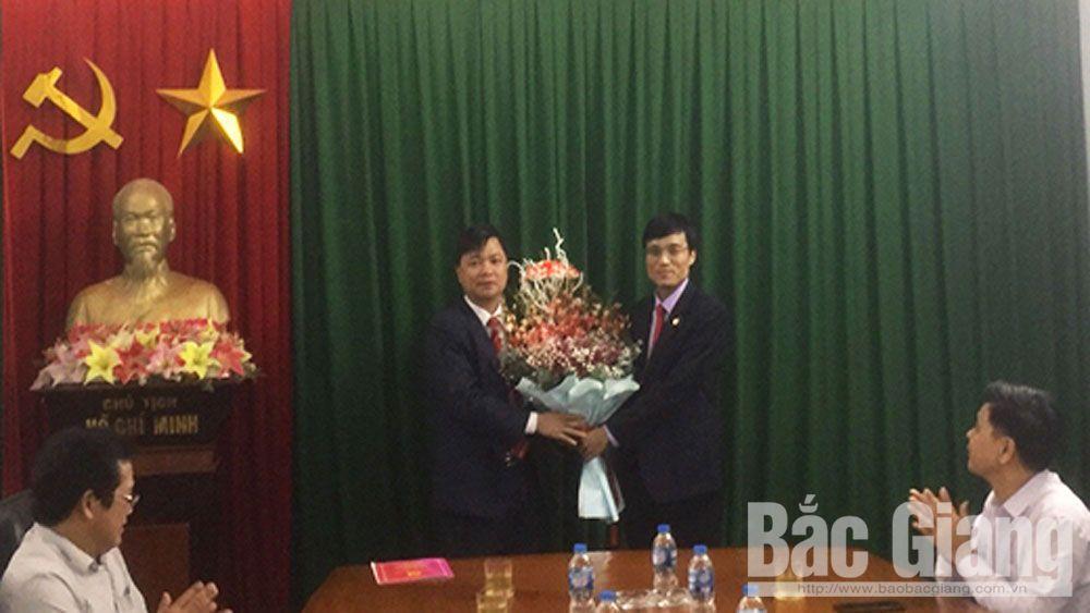 Công bố quyết định điều động, bổ nhiệm Trưởng Ban Tổ chức Huyện ủy Yên Thế