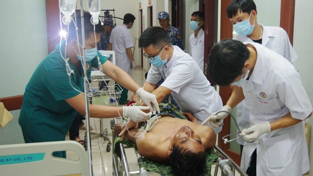 Huyện đảo Trường Sa, tiếp nhận và cấp cứu, 3 ngư dân, nổ bình gas trên tàu, Bệnh xá đảo Trường Sa, đánh bắt hải sản