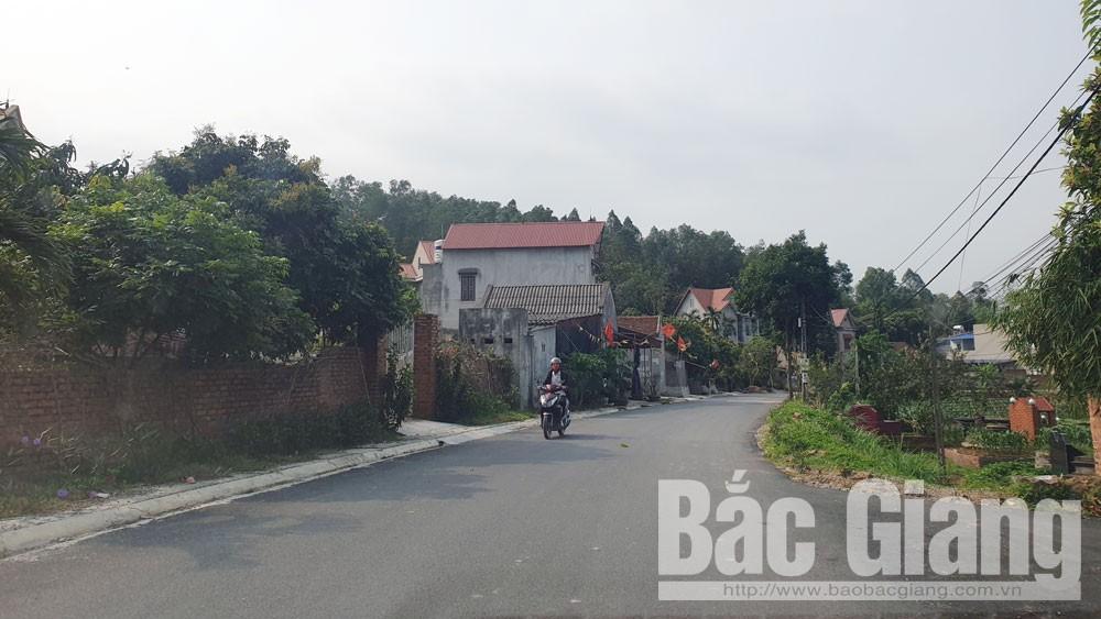 Yên Dũng: Trải thảm nhựa tuyến đường ĐH.9 từ thị trấn Tân An đi xã Lão Hộ