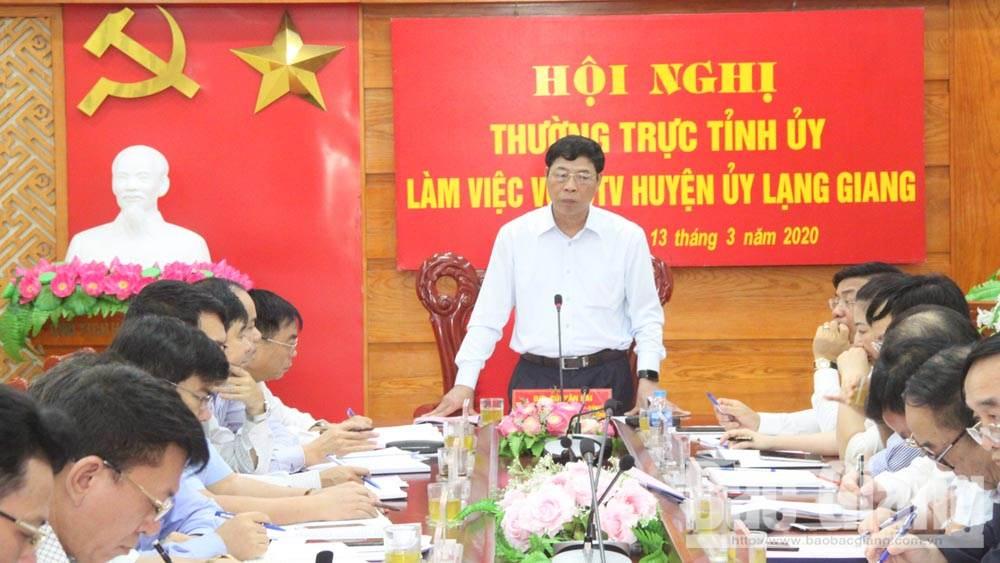 Huyện Lạng Giang cần quan tâm kết nối giao thông, nâng tầm huyện nông thôn mới