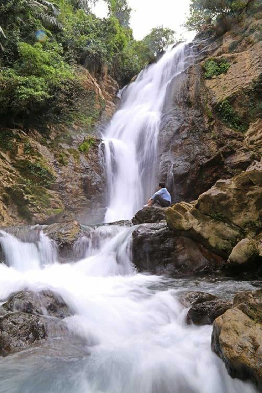 35-meter-tall waterfall, hidden charm, Quang Tri province, unspoilt beauty,  Truong Son mountain range, bountiful flow