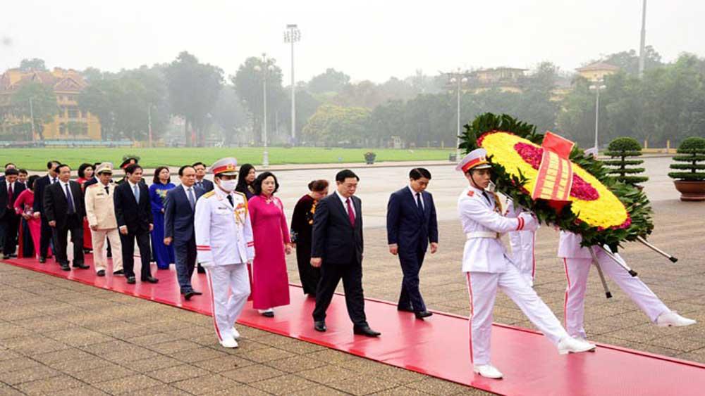 Nhiều hoạt động kỷ niệm 90 năm thành lập Đảng bộ TP Hà Nội