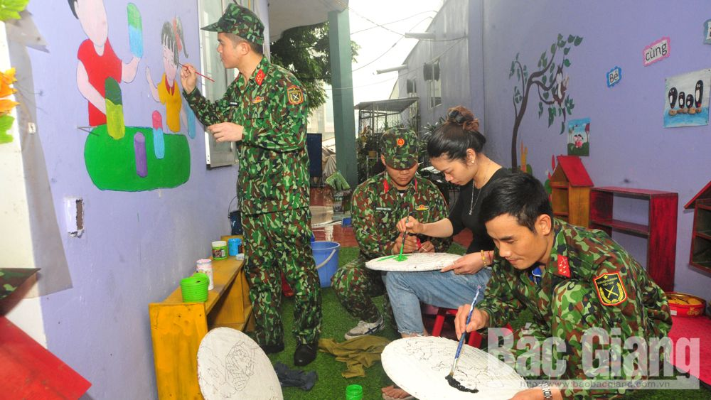 Youth members, provincial Military Command, Tan My Kindergarten School, prevent Covid-19 epidemic, Bac Giang province