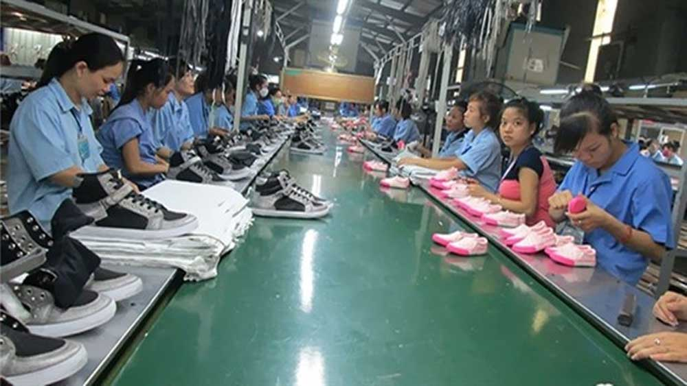 Textile and footwear firms,  go local, survive pandemic, raw materials, Covid-19 pandemic