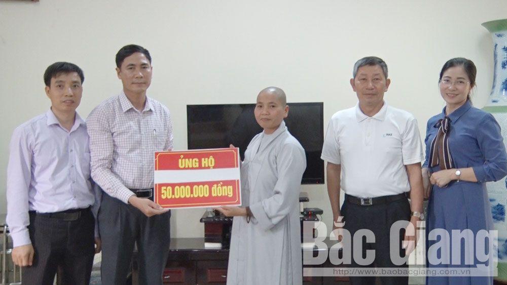 Chùa Hưng Long ủng hộ 50 triệu đồng cho công tác phòng, chống dịch Covid-19