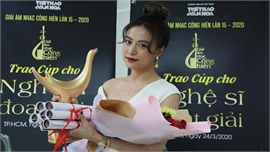 Hoàng Thùy Linh lập kỷ lục, giành 4 giải 'Cống Hiến'