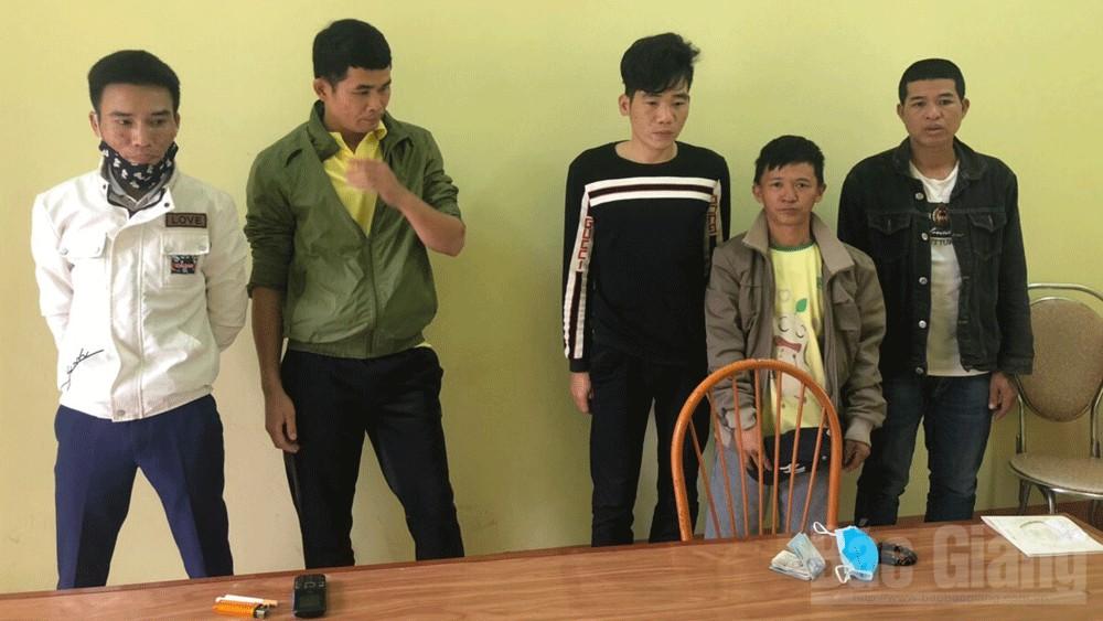 Trộm cắp tài sản; Công an huyện Lạng Giang, Công an thị trấn Kép