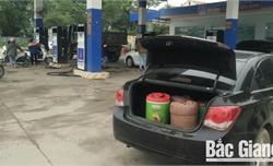 Nhiều người dân tích trữ xăng, dầu, tăng nguy cơ cháy nổ