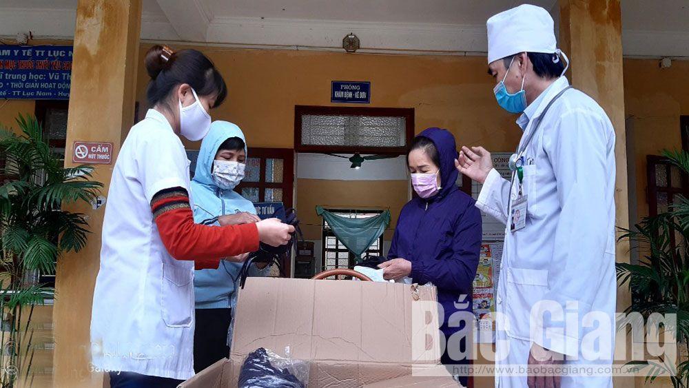 Nhóm Quỹ Nhân Ái 3K ủng hộ 1.600 khẩu trang vải kháng khuẩn phòng, chống dịch Covid-19
