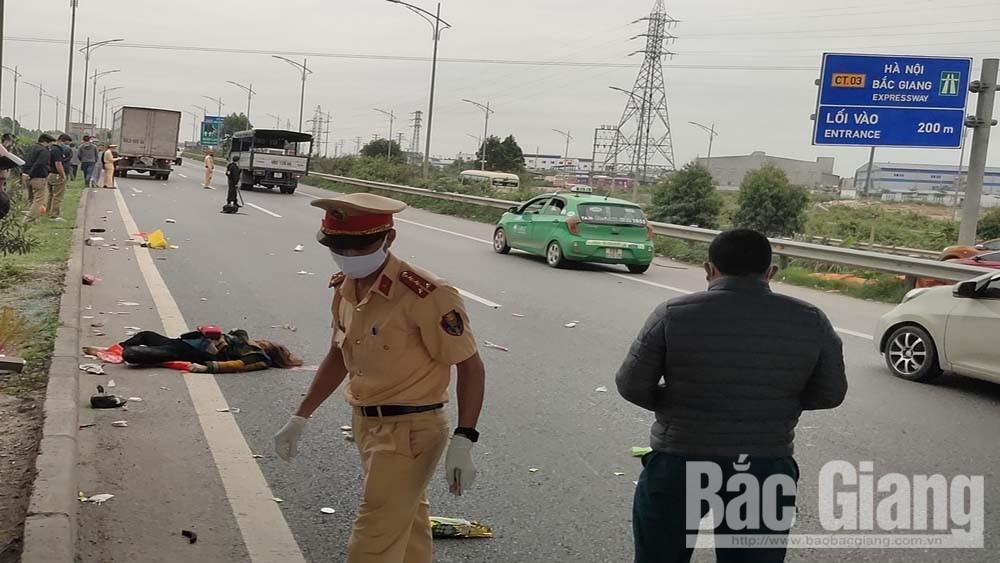 Bắc Giang: Một phụ nữ đi bộ tử vong trên cao tốc
