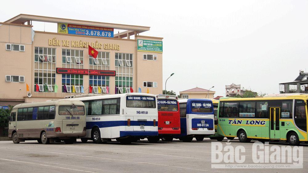 Bến xe khách Bắc Giang vắng lặng.