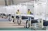 Tận mục sở thị bệnh viện dã chiến chống Covid-19 lớn nhất Anh