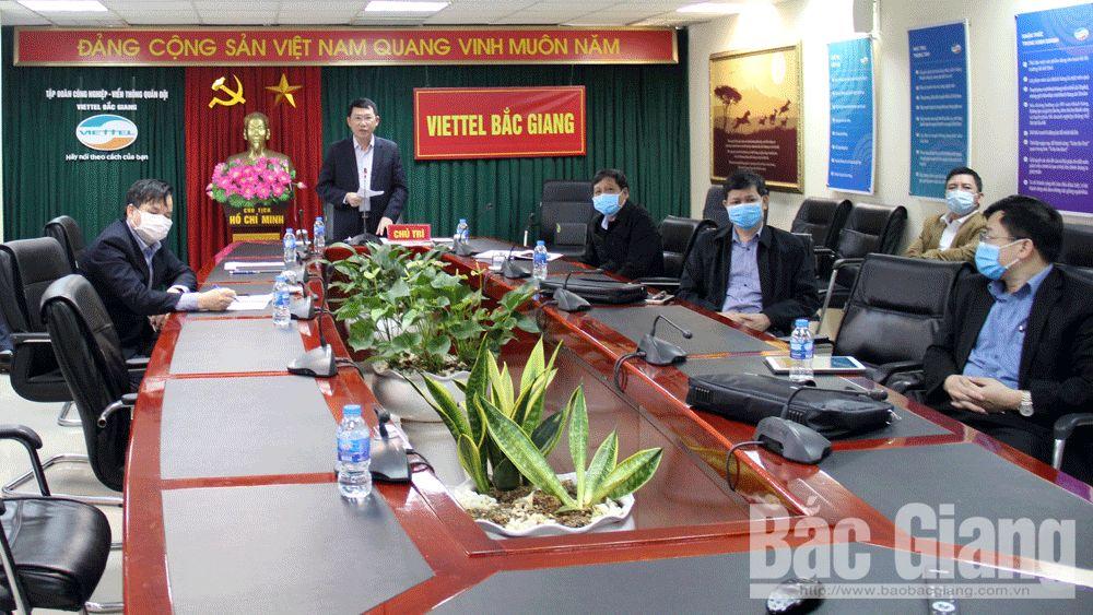 Thứ trưởng Bộ Y tế Đỗ Xuân Tuyên chỉ đạo tập trung cao khóa dịch bên ngoài, dập dịch bên trong