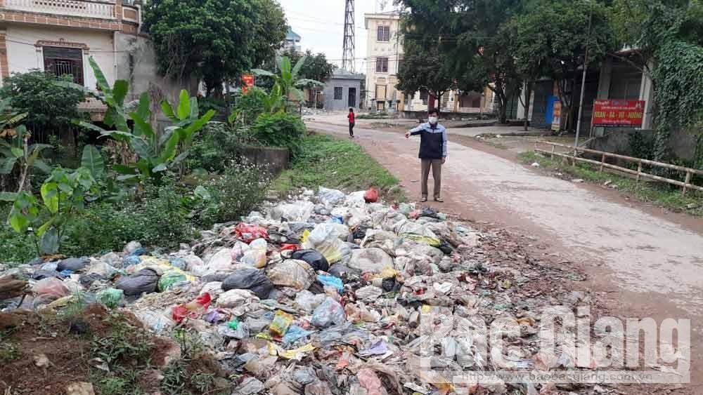 Lục Ngạn: Bãi rác thải gần UBND xã Trù Hựu gây ô nhiễm môi trường