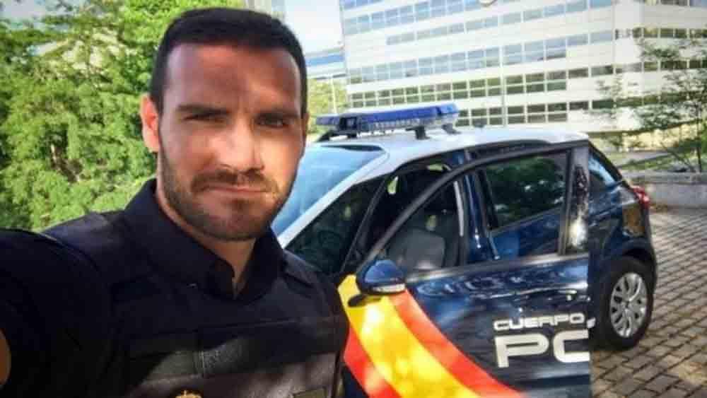 HCV Olympic làm cảnh sát