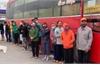 Phớt lờ lệnh cấm, xe khách chở 30 người từ TP Hồ Chí Minh ra Hà Nội