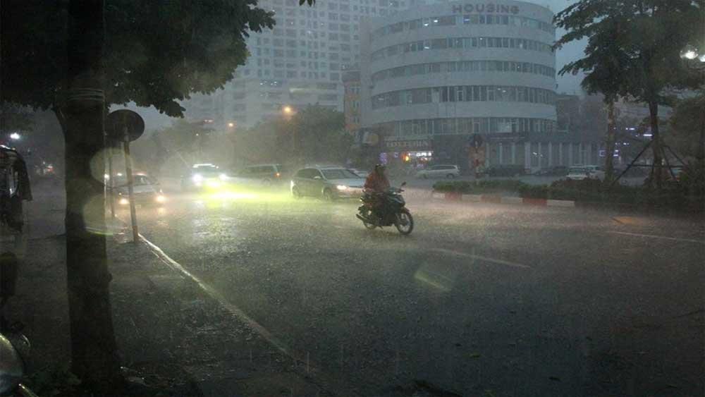 Bắc Bộ vẫn mưa dầm gió rét, Nam Bộ có nơi trên 37 độ C