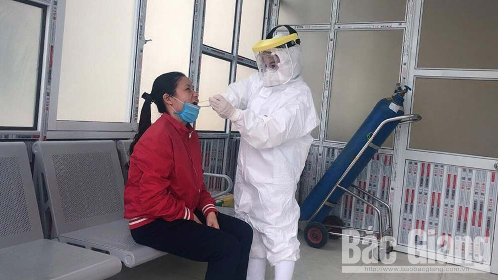 Bac Giang province, white blouse soldiers, silent battle, Covid-19, disease infection, SARS-CoV-2, coronavirus infection, quarantine area