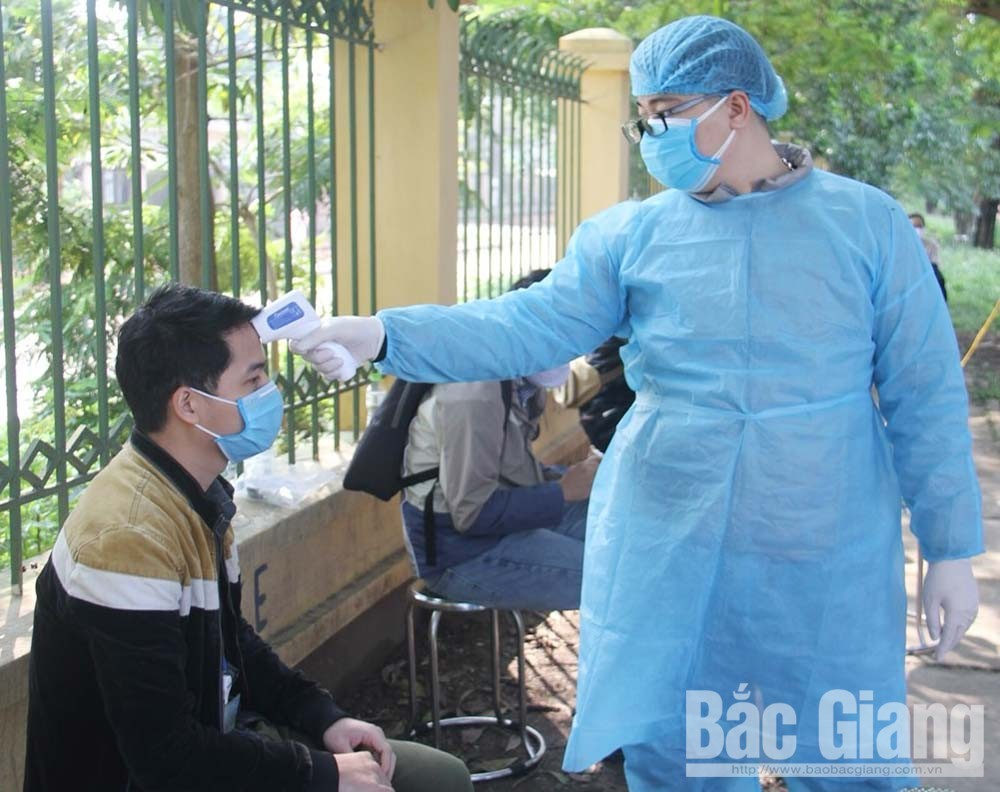 Provincial leader, Le Anh Duong, screen test, effectively prevent, Covid-19 pandemic, Bac Giang province,  social distancing, Covid-19 pandemic