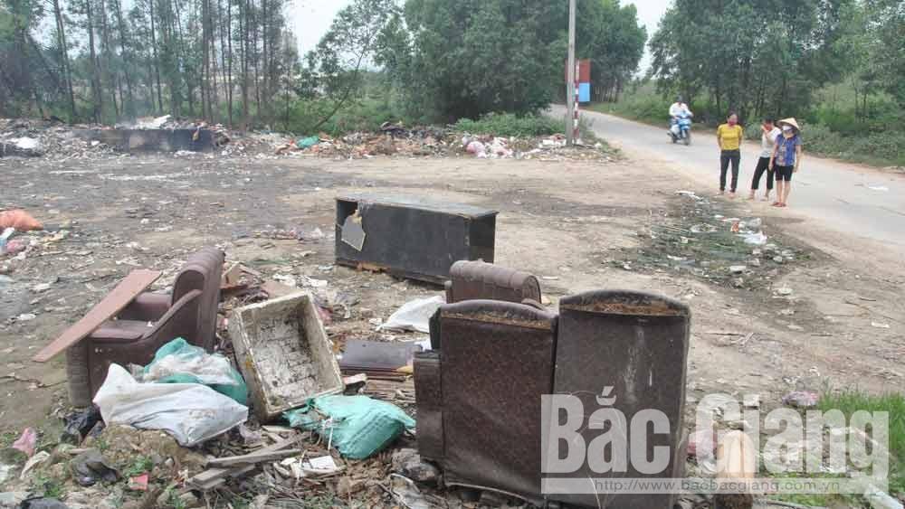 Bãi tập kết rác thải ở thôn Song Khê 2 (TP Bắc Giang) gây ô nhiễm môi trường