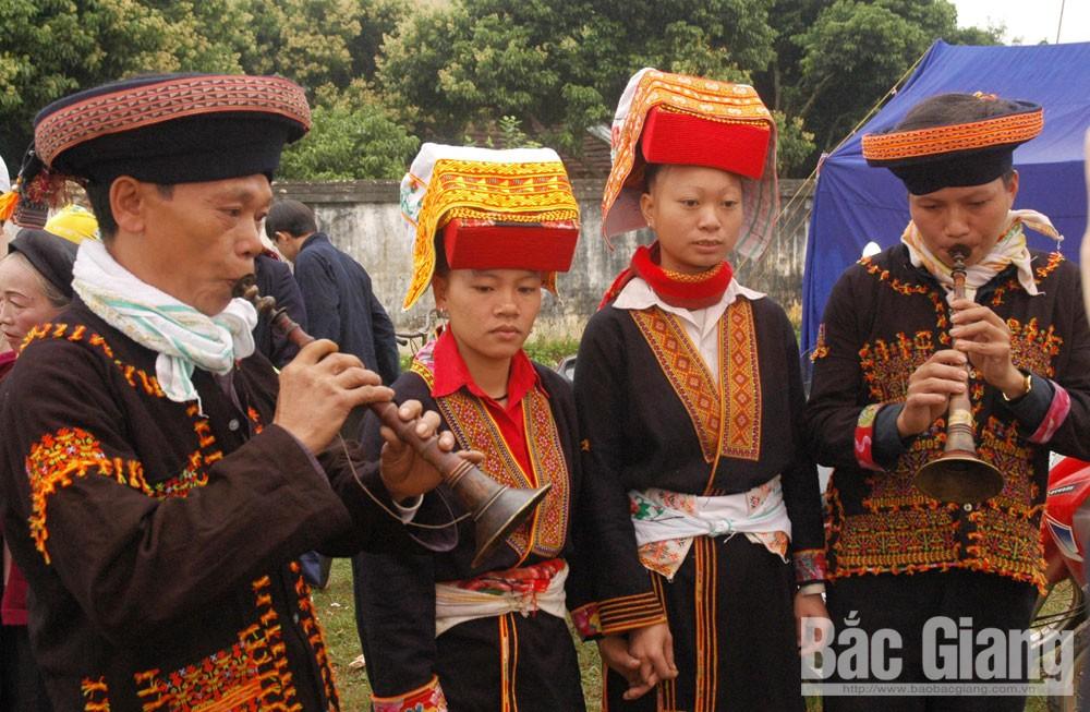 Hát soong hao của người Dao, xã Kim Sơn (Lục Ngạn).