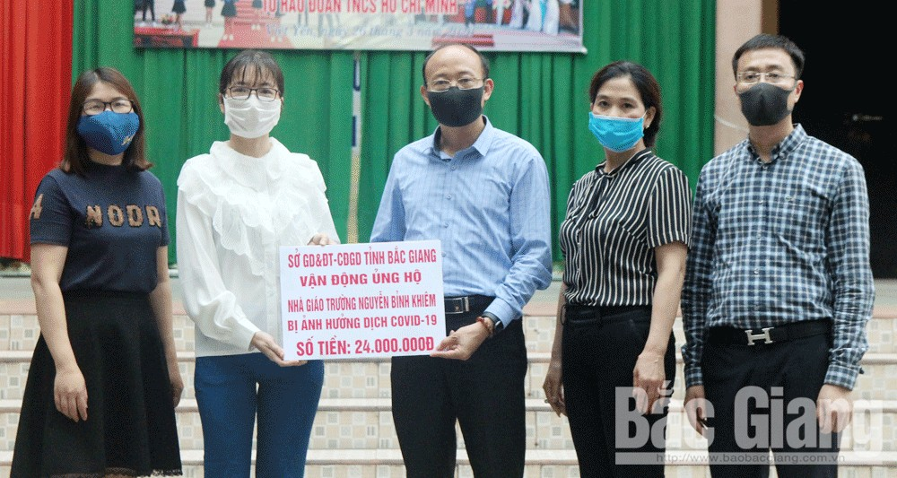 Bac Giang supports 3,000 teachers and cooks at schools affected in Covid-19 pandemic