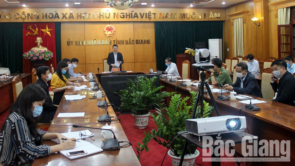 Bac Giang prioritizes Covid-19 control, gradually recovers socio-economic activities