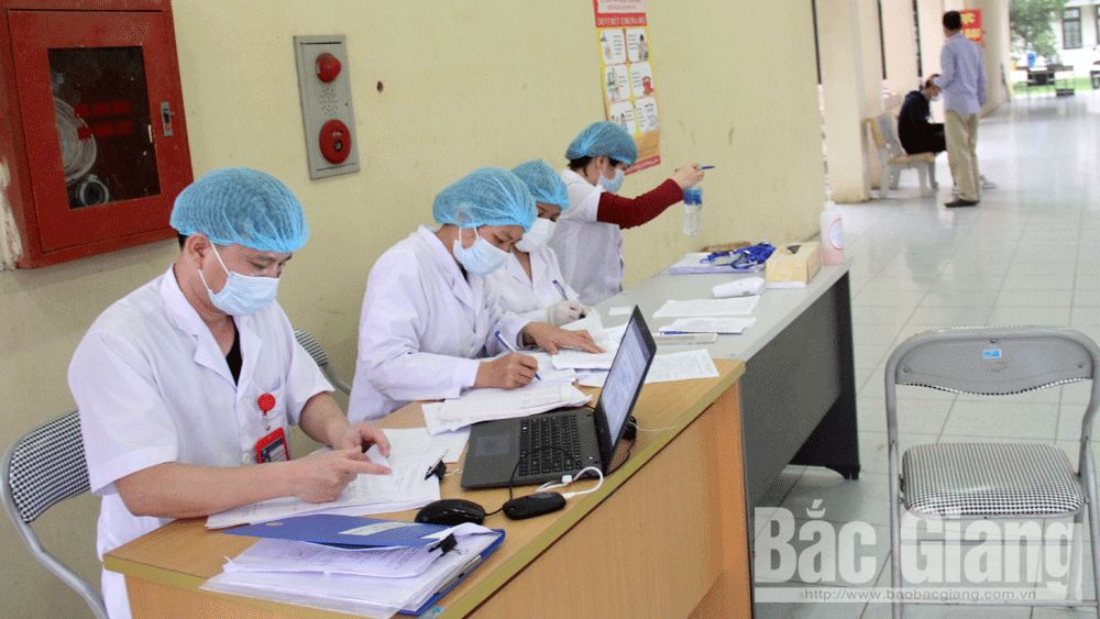 Bac Giang focuses on managing health condition of people returning from foreign countries