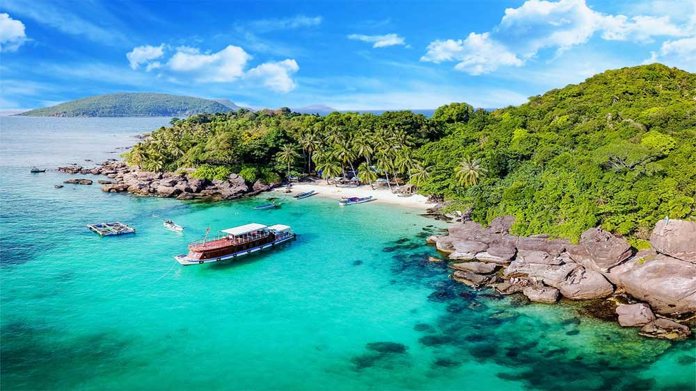 Kien Giang islands reopen to tourists