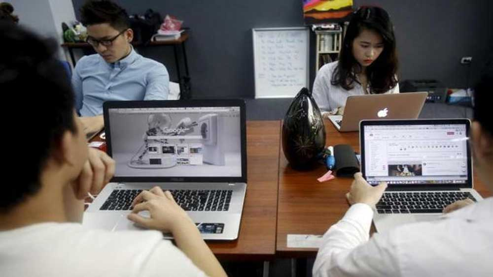 Over 90 pct, IT firms, hire more engineers, expand operations, human resources, biggest challenge, Vietnamese technology firms