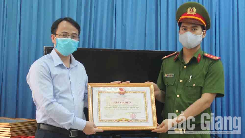 Việt Yên khen thưởng 11 tập thể, cá nhân trong đợt cao điểm tấn công, trấn áp tội phạm