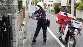 Hàng trăm nghìn khẩu trang cấp phát cho người dân Nhật Bản bị lỗi