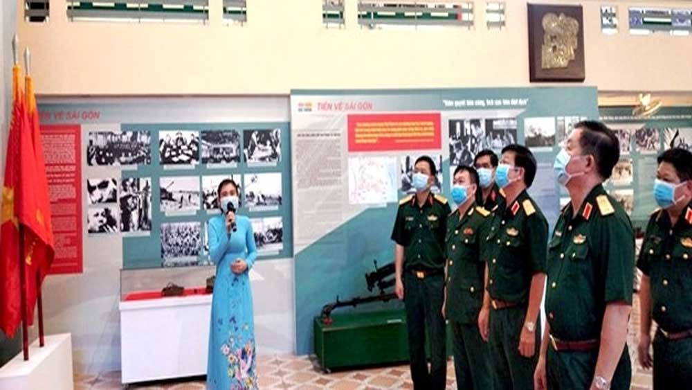 "Exhibition on ""Great Spring Victory"" opens"