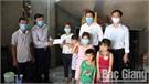 Việt Yên: Hỗ trợ hộ dân có hoàn cảnh đặc biệt khó khăn do ảnh hưởng của dịch Covid-19