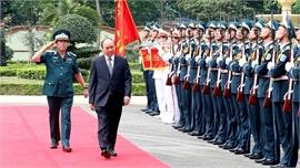 Thủ tướng thăm, làm việc với Bộ Tư lệnh Quân chủng Phòng không - Không quân
