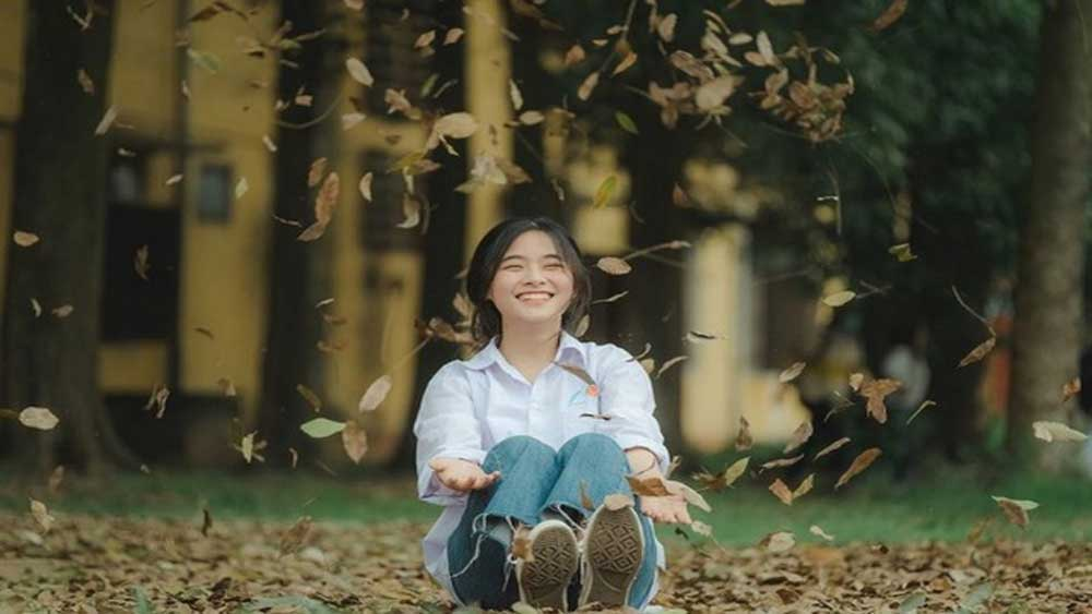 """Nhan sắc trong veo """"ngắm là yêu"""" của nữ sinh 10X Bắc Giang"""