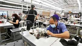 Mỹ liên tiếp công bố các số liệu kinh tế đáng quan ngại