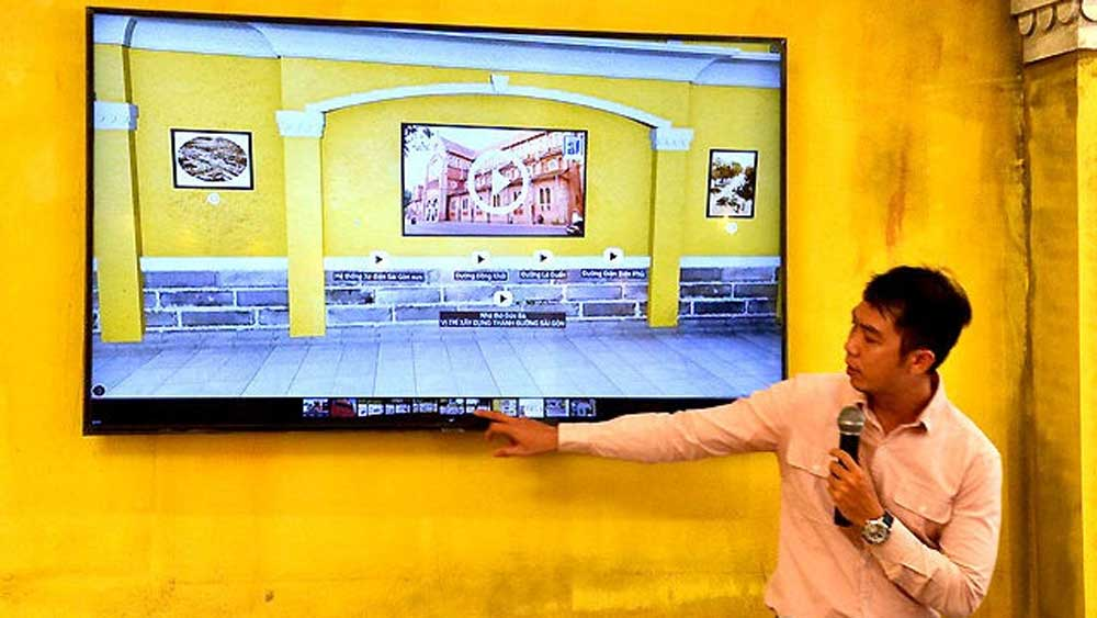 Virtual reality exhibition on national reunification launched in HCM City