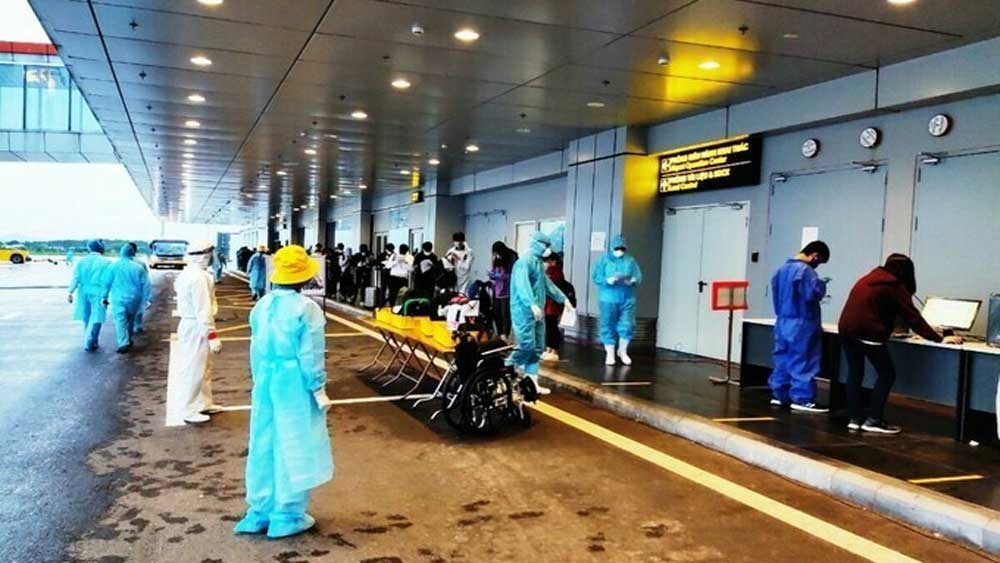 Vietnam, 276 citizens from Canada, Vietnam Airlines flight,  health status, quarantine centers, diplomatic agencies, Vietnamese citizens