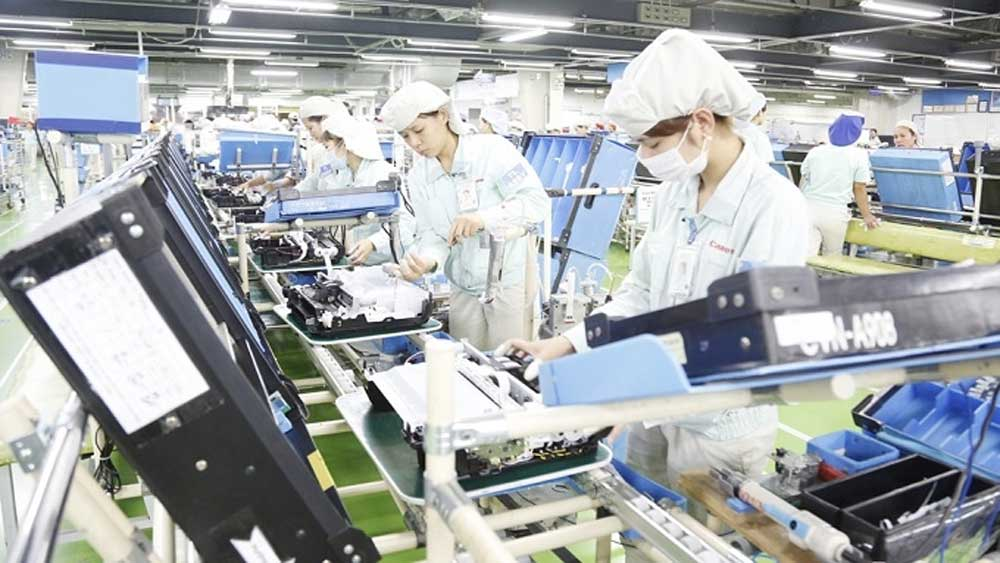 Hanoi licenses 235 new FDI projects from January-April