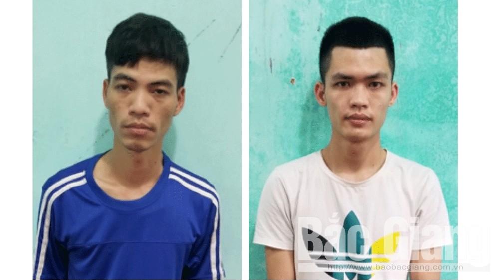 Nguyễn Duy Sỹ (bên trái) và Nguyễn Mạnh Hiền.