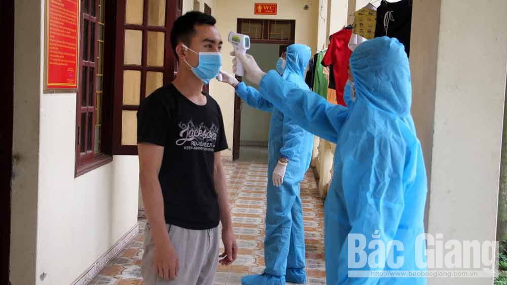 Bac Giang continues reviewing people with epidemics