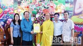 Lãnh đạo Ủy ban MTTQ tỉnh Bắc Giang chúc mừng Đại lễ Phật đản năm 2020 - Phật lịch 2564