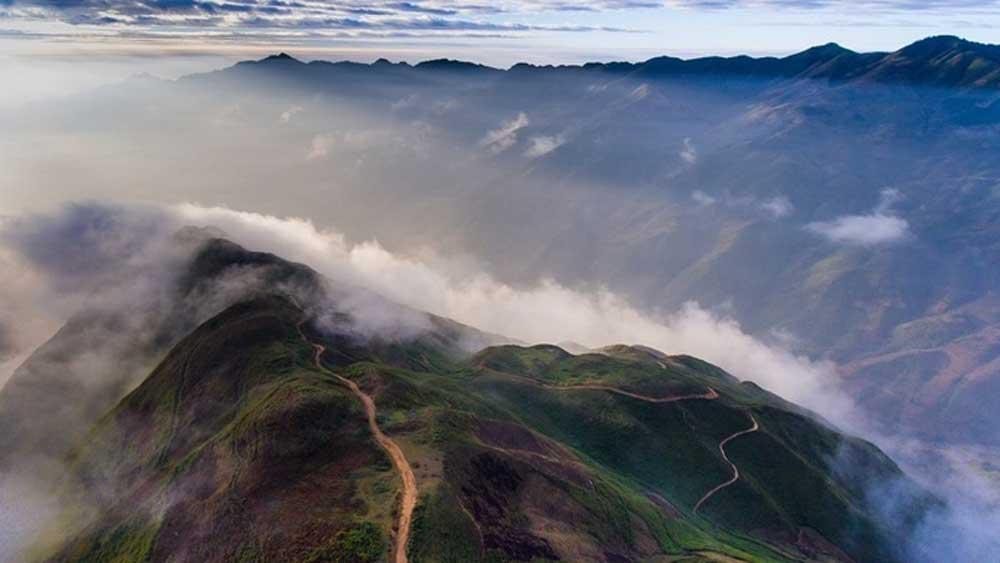 Tà Xùa là điểm đến săn mây được nhiều du khách yêu thích.