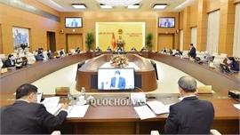 Ủy ban Thường vụ Quốc hội ban hành hai nghị quyết phê chuẩn, điều động nhân sự