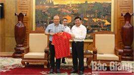 Chủ tịch UBND tỉnh Dương Văn Thái tiếp huấn luyện viên Park Hang Seo và đoàn doanh nhân Hàn Quốc